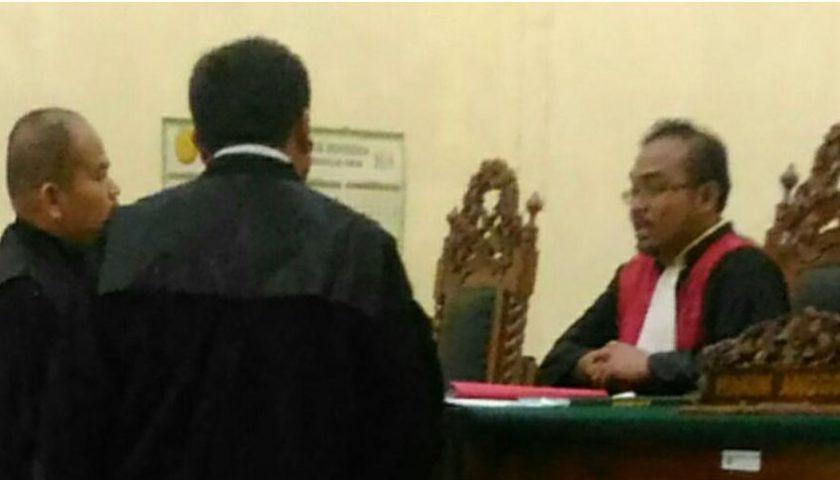 Jahotman Silaban dan Ferdiana Purba Diadili, Hakim Nyaris Duel