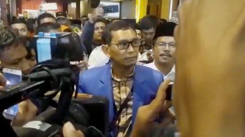 Pengamat: JR Saragih Bisa Sengketakan KPU Sumut Karena Loloskan Sihar Sitorus