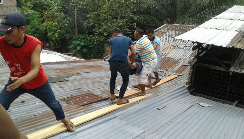 Perbaiki Rumah Tetangga, Kliwon Tewas Tersengat Listrik Tegangan Tinggi