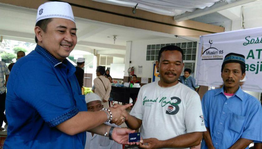 SMMC Bagikan Kartu ATM Beras, Nezar: Sangat Membantu Kaum Dhuafa