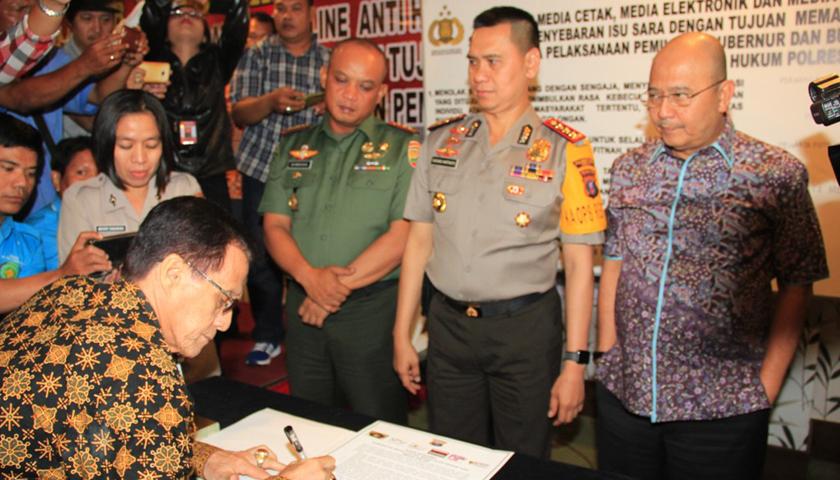 Wali Kota Medan Tanda Tangani Ikrar Bersama Anti Hoax