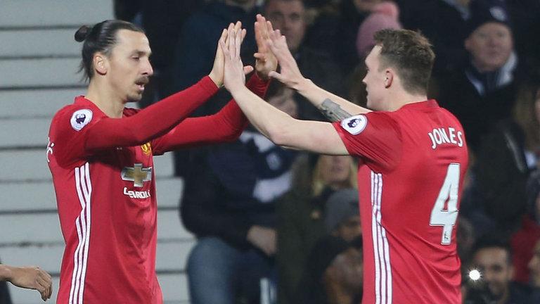 Phil Jones Mengakui Manchester United Akan Kehilangan Zlatan Ibrahimovic