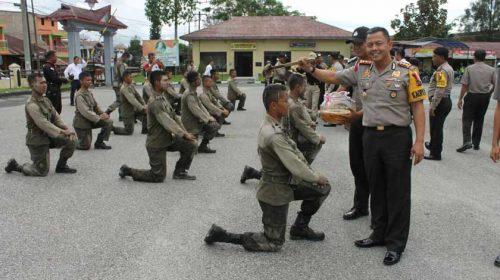 19 Polisi Baru Disiram Air Kembang