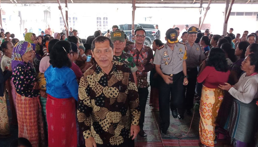 Bupati Karo Jawab 11 Poin Tuntutan Aksi Demo Ribuan Warga Desa Batukarang