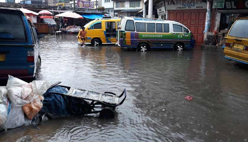 Diguyur Hujan Lebat, Kota Kabanjahe dan Berastagi Terendam Banjir