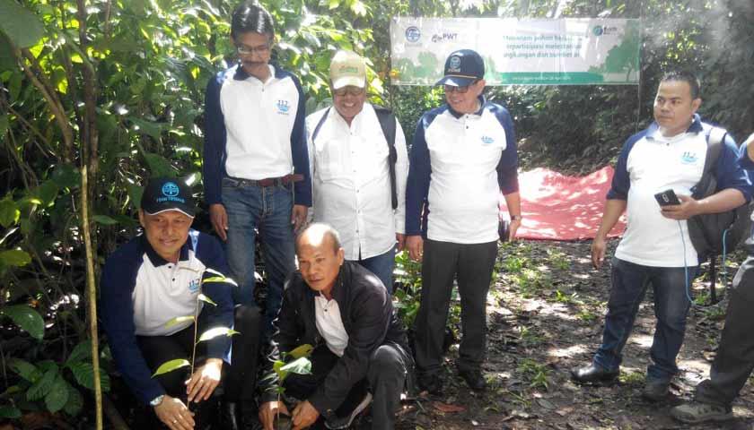 Peringati Hari Bumi, PDAM Tirtanadi dan Pokja Wartawan Tanam Pohon di Sibolangit