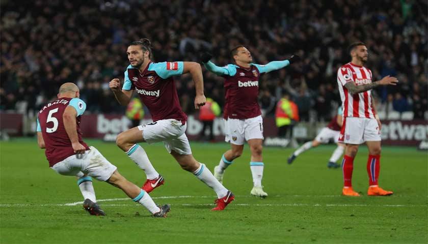 Gol Andy Carrol Selamatkan West Ham dari Kekalahan