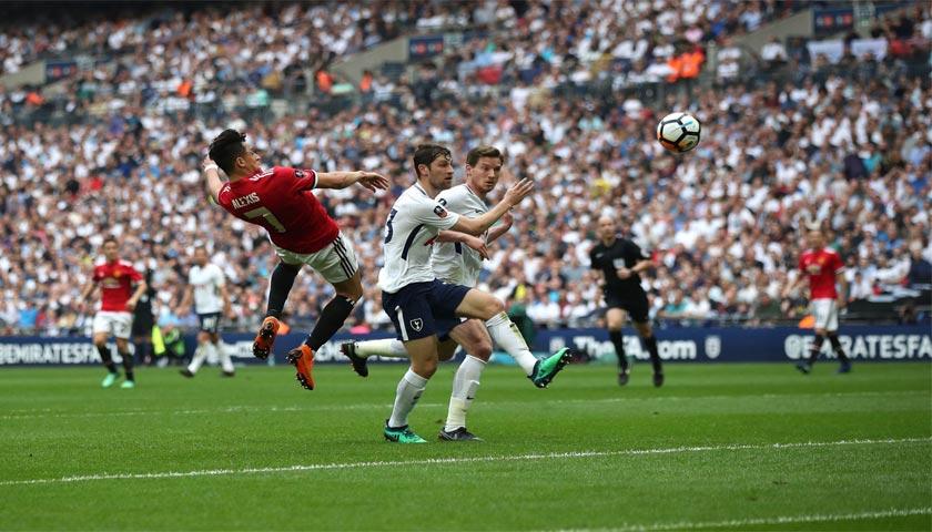 Gol Indah Alexis Sanches Menyamakan Skor 1-1 Atas Tottenham