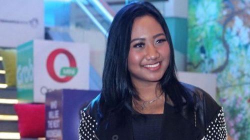 Maria Simorangkir, Dari Penyanyi Gereja Hingga Indonesian Idol