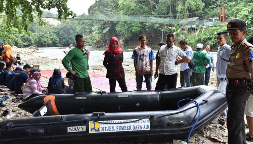 Wagubsu Serahkan Tiga Perahu Karet untuk Komunitas Arung Jeram Asahan