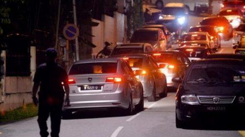 Polisi Geledah Rumah Najib, Tas dan Hadiah Disita