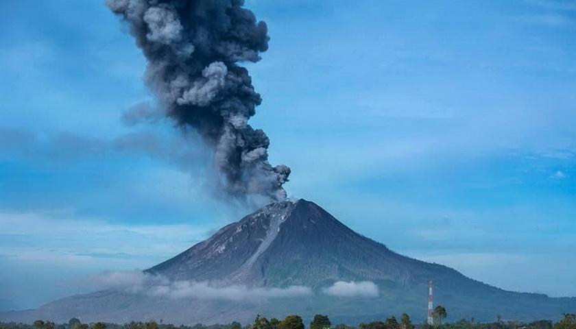 Cerita Pengamat Gunung Api Sinabung Saat Lebaran