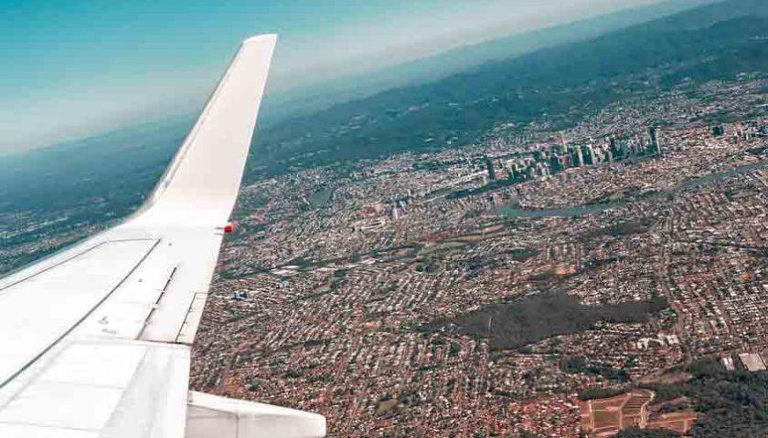 Pilih Transportasi Darat, Harga Tiket Pesawat 'Mencekik Leher'