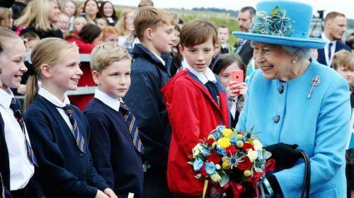 10 Cara Keluarga Kerajaan Inggris Dapat Uang