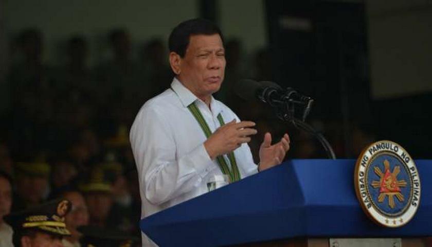 Presiden Filipina Duterte: Tuhan itu Bodoh