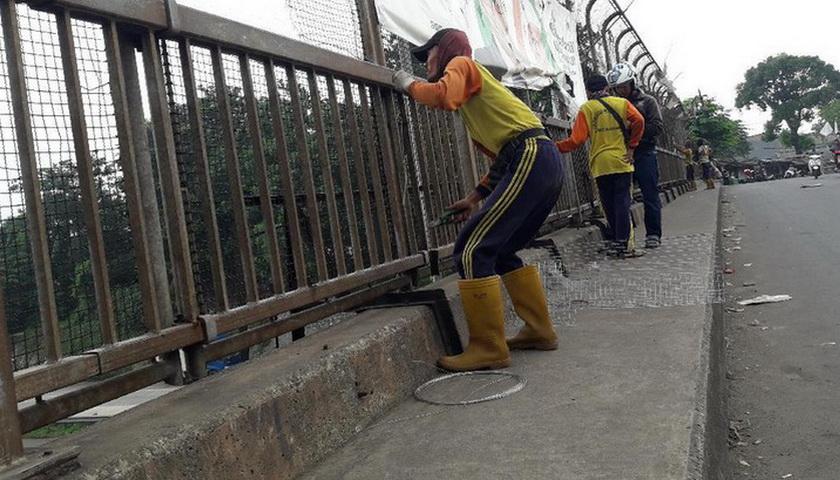 Teror Batu Maut di Tol Jakarta-Cikampek