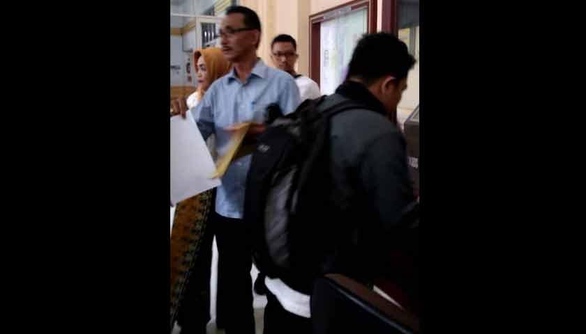 Lamban Tangani Berkas, Pegawai PN Medan dan Pengunjung Adu Mulut