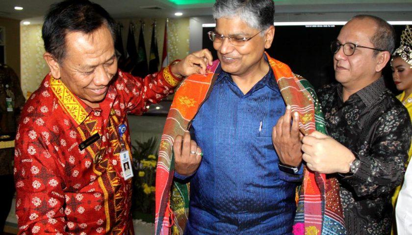 Terima Dubes India, Pj Gubsu: Sumut Kondusif untuk Investor!