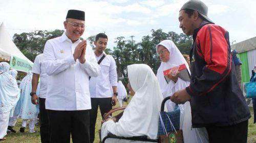Wali Kota Medan Tepung Tawari dan Lepas Keberangkatan 2.407 Calhaj
