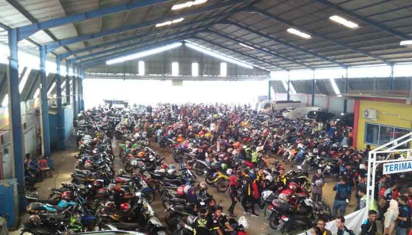 kopdar dihadiri ribuan bikers