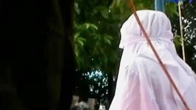 Malunya… Di Aceh, Dua Gay Ditangkap Warga, Dihukum Cambuk 87 Kali