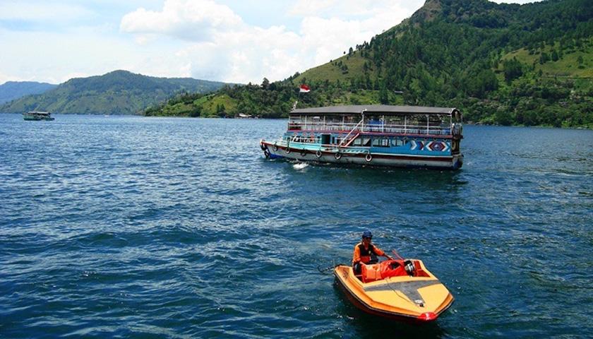 Awasi Pelayaran, Pemkab Samosir Sebar Call Center