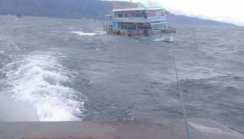 Lagi, Kapal Motor Putus Tali Kemudi di Danau Toba