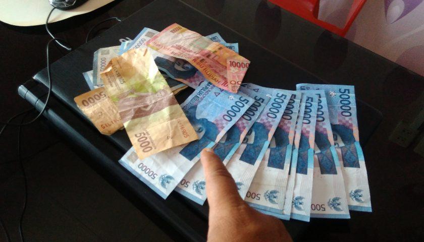 Rupiah Kembali Melemah Jadi Rp14.441 per Dolar AS