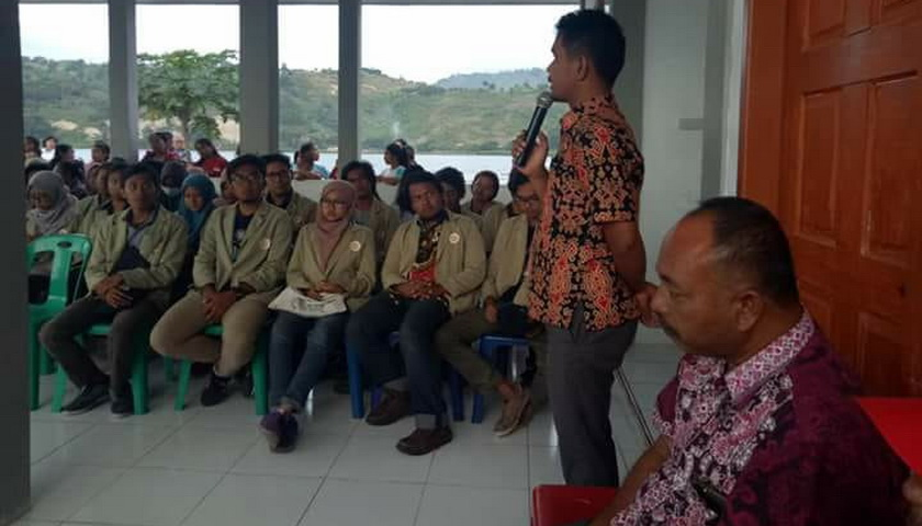 Bupati Taput Tatap Muka dengan Mahasiswa KKN UGM dan PKL USU