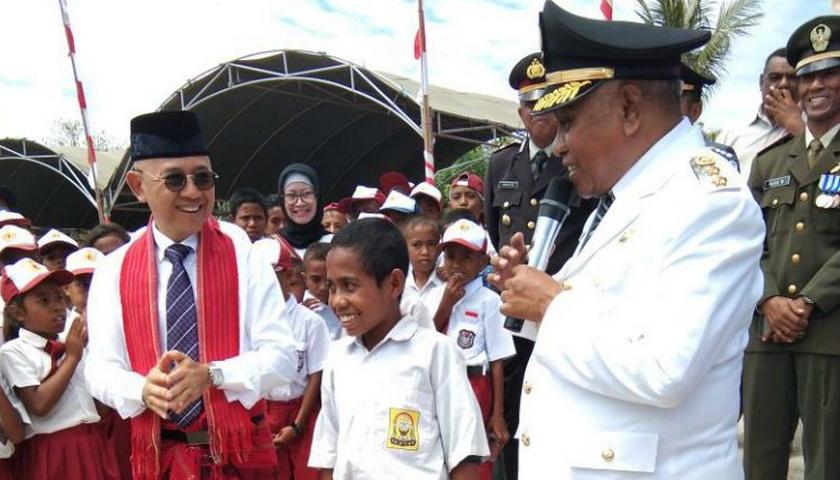 Bocah Pemanjat Tiang Bendera Diundang ke Jakarta