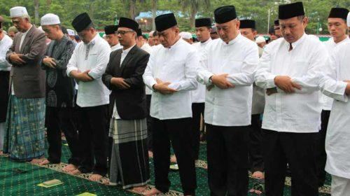 Wali Kota Medan dan Wakil Shalat Idul Adha Bersama Ribuan Warga