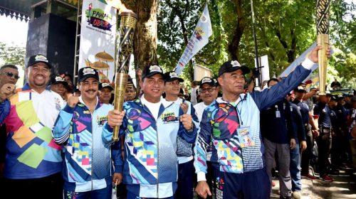 Gubsu dan Mendikbud Pembawa Obor Asian Para Games di Medan