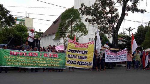 KTBM Demo ke Kantor Gubsu Sambut Hari Agraria