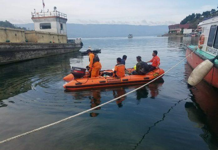 Pemancing Tewas Tenggelam di Danau Toba, Ditemukan di Kedalaman 38 Meter