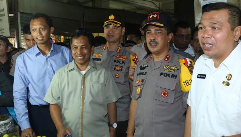 Kapolrestabes Medan Dampingi Kapoldasu dan Tim Satgas Pangan Prov Sumut Sidak ke Pasar