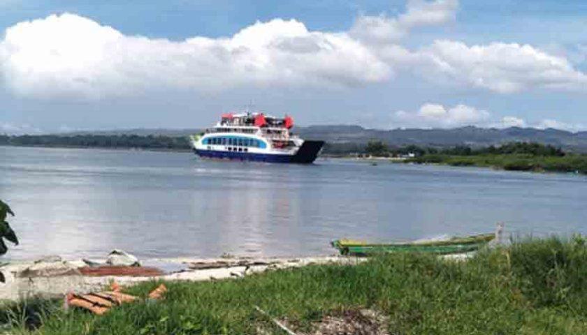 KMP Ihan Batak Test Pelayaran Parparean-Balige