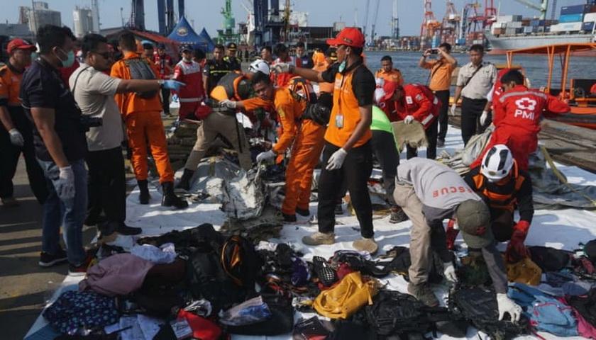 Tubuh Korban Diduga Rusak Kena Pecahan Pesawat