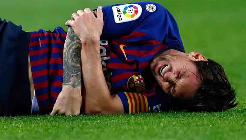 Lionel Messi Mengalami Cedera Retak Lengan Kanan