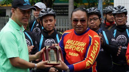Tim BMX Raleigh dan MBG Naik Sepeda Sambil Wisata