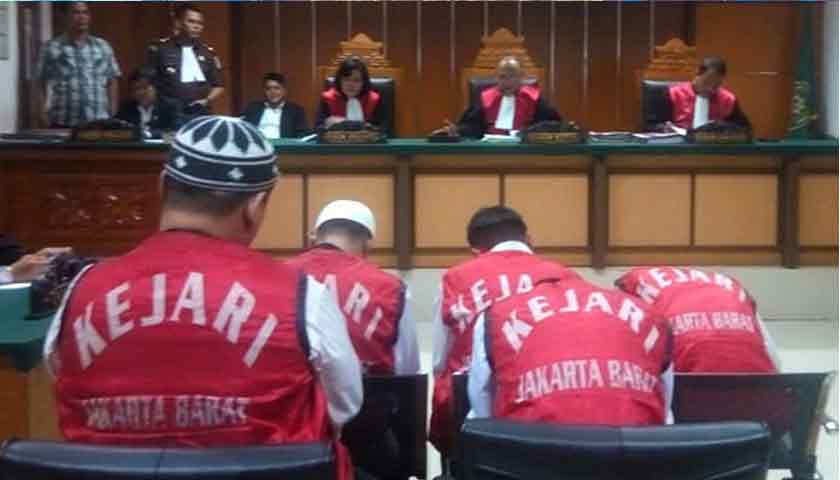 Penyelundup Ganja ke Jakarta, Rocky Siahaan Cs Divonis Mati