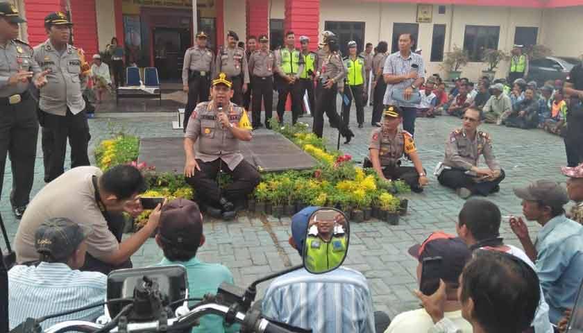 Polres Pelabuhan Belawan Silaturahmi Dengan Ratusan Abang Becak Bermotor dan Ojek