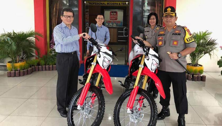 PT Musim Mas Berikan Dua Unit Sepeda Motor Trail ke Polres Pelabuhan Belawan