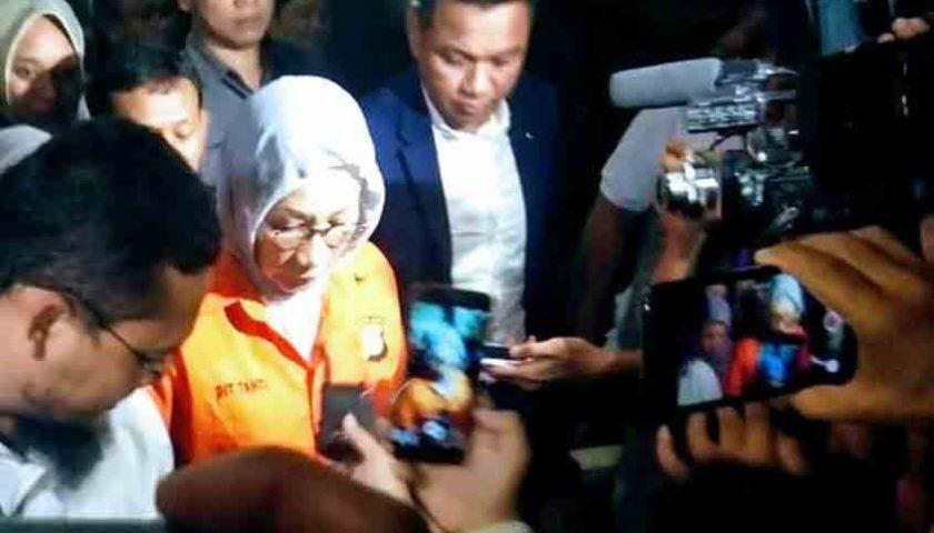 Ratna Sarumpaet Resmi Ditahan, Ini Katanya Soal Dana KM Sinar Bangun