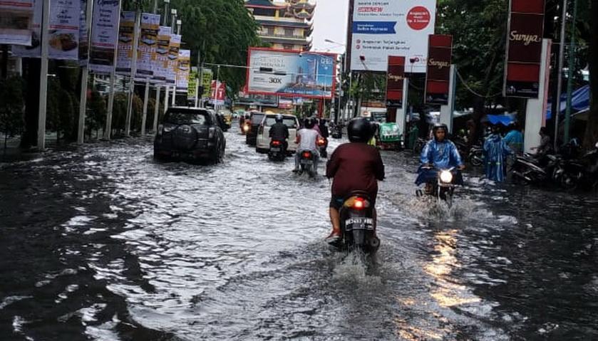 Masih Banjir, DPRD Medan Minta Drainase Ditata Ulang
