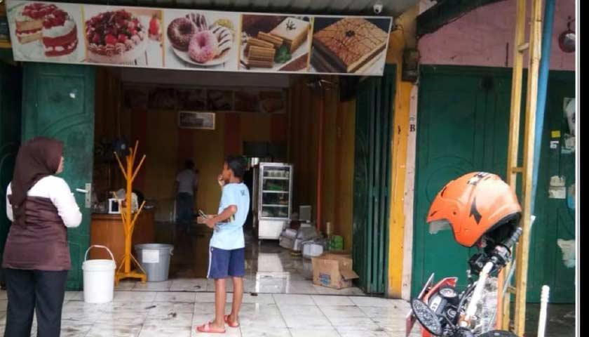 Toko Roti Terbakar, Karyawan Nyaris Tewas Terpanggang