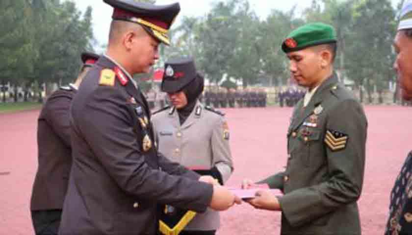 Warga Siantar Merampok Digagalkan, Anggota TNI Terima Penghargaan
