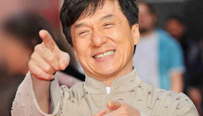 Jackie Chan Wariskan Hartanya untuk Kemanusiaan