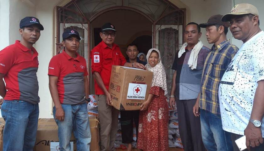 PMI Madina Bantu Warga Korban Bencana alam Desa Hutagodang Siabu