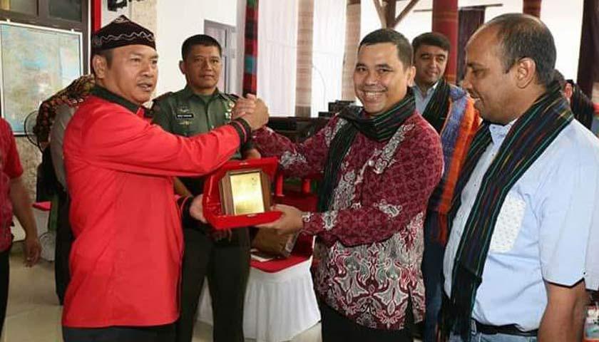 Bupati Taput Terima Kunjungan Bisnis Pengusaha Kazakhstan dan Tajikistan