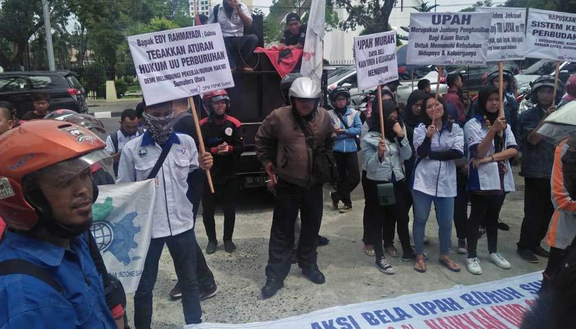 Buruh Kembali ke Kantor Gubsu Tolak Penetapan Upah Murah